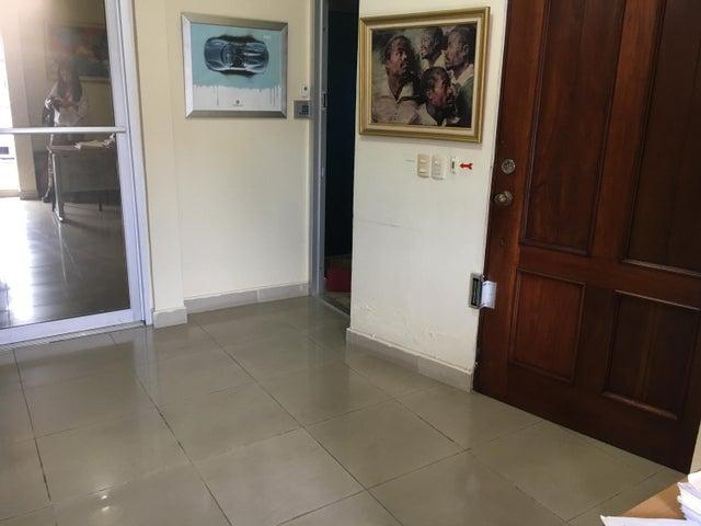 Local Comercial Santo Domingo>Distrito Nacional>Mirador Sur - Venta:8.800.000 Pesos - codigo: 19-1089