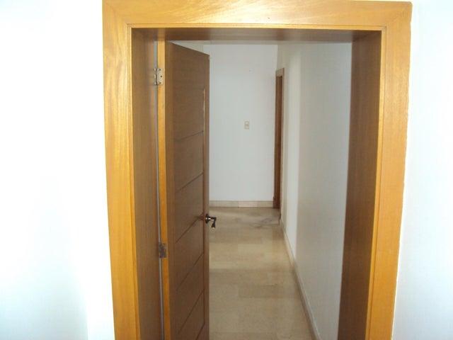 Apartamento Santo Domingo>Distrito Nacional>La Esperilla - Alquiler:2.500 Dolares - codigo: 19-1114