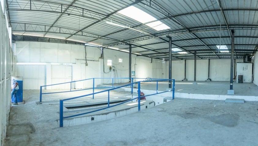 Local Comercial Santo Domingo>Distrito Nacional>Mejoramiento Social - Alquiler:1.000 Dolares - codigo: 19-1119