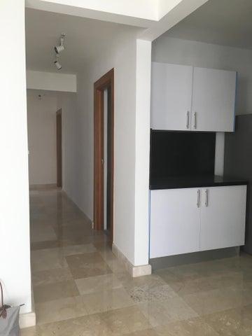 Apartamento Santo Domingo>Distrito Nacional>Serralles - Alquiler:1.400 Dolares - codigo: 18-1102