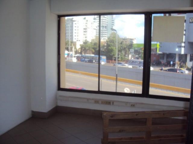 Local Comercial Santo Domingo>Distrito Nacional>Naco - Alquiler:5.900 Dolares - codigo: 19-806