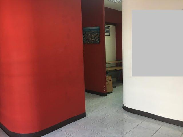 Local Comercial Santo Domingo>Distrito Nacional>Piantini - Alquiler:1.100 Dolares - codigo: 19-1317