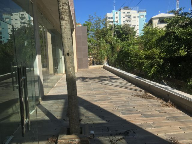 Local Comercial Santo Domingo>Distrito Nacional>Serralles - Alquiler:16.475 Dolares - codigo: 19-1321
