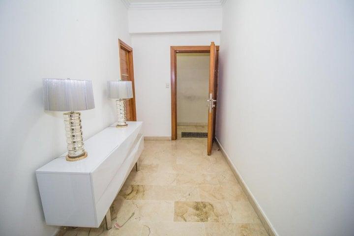 Apartamento Santo Domingo>Distrito Nacional>Piantini - Alquiler:1.600 Dolares - codigo: 20-55