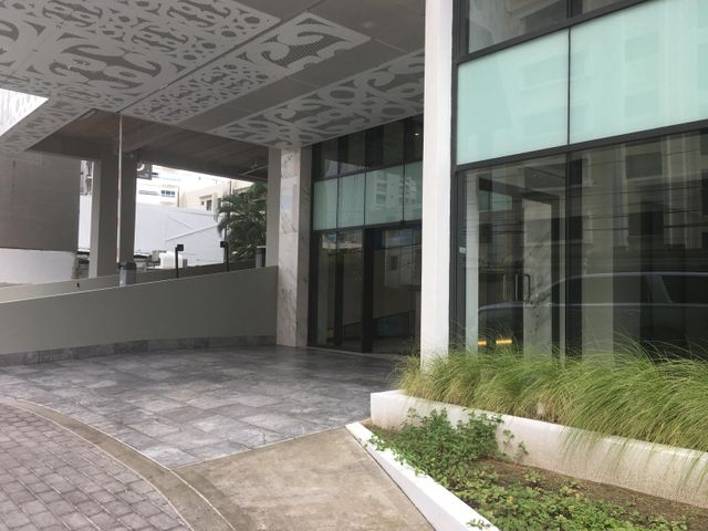 Local Comercial Santo Domingo>Distrito Nacional>Piantini - Alquiler:1.375 Dolares - codigo: 20-79
