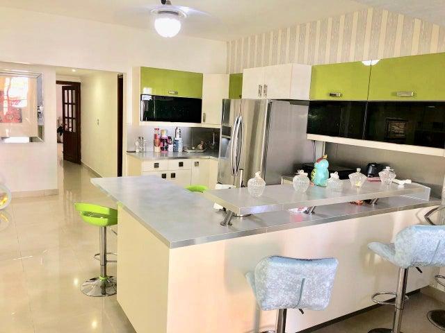Apartamento Santo Domingo>Distrito Nacional>La Esperilla - Venta:255.000 Dolares - codigo: 20-94