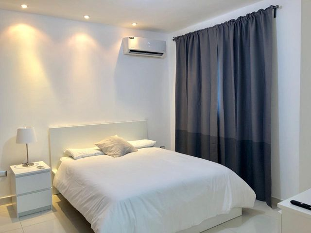 Apartamento Santo Domingo>Distrito Nacional>Gazcue - Alquiler:700 Dolares - codigo: 20-136