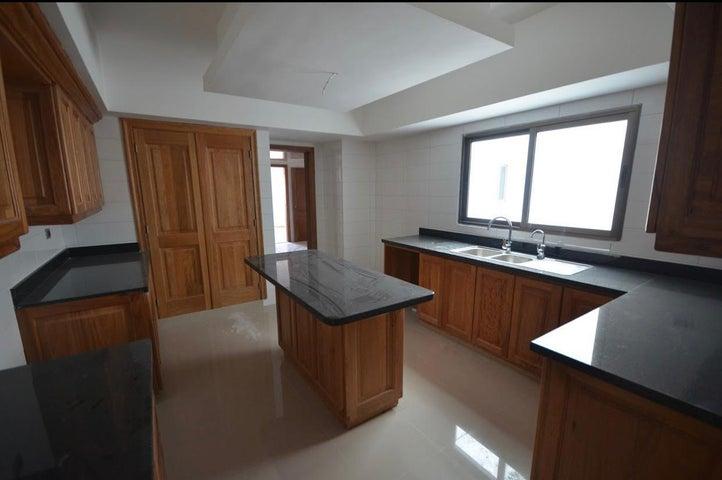 Apartamento Santo Domingo>Distrito Nacional>Naco - Venta:410.000 Dolares - codigo: 20-147