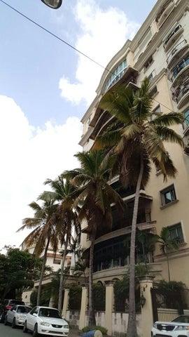 Apartamento Santo Domingo>Distrito Nacional>Serralles - Alquiler:2.600 Dolares - codigo: 20-216