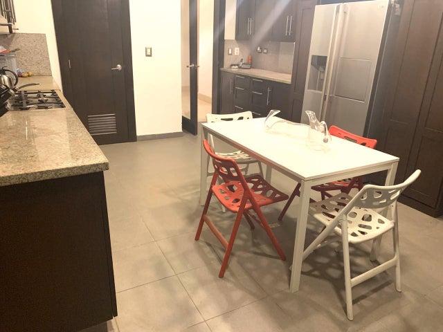 Apartamento Santo Domingo>Distrito Nacional>Serralles - Alquiler:3.000 Dolares - codigo: 20-249