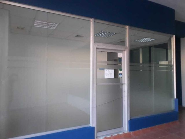 Local Comercial Santo Domingo>Santo Domingo Oeste>Herrera - Alquiler:1.500 Dolares - codigo: 20-196