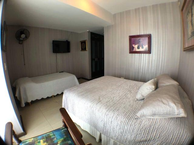 Apartamento Santo Domingo>Distrito Nacional>La Esperilla - Venta:550.000 Dolares - codigo: 20-270