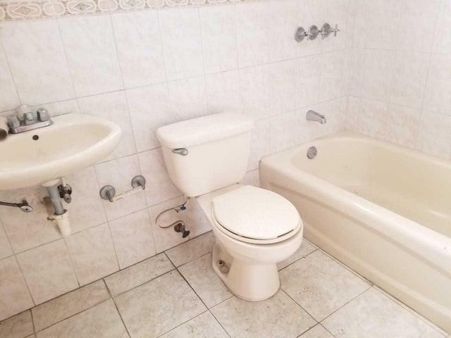 Apartamento Santo Domingo>Distrito Nacional>Evaristo Morales - Venta:5.300.000 Pesos - codigo: 20-320