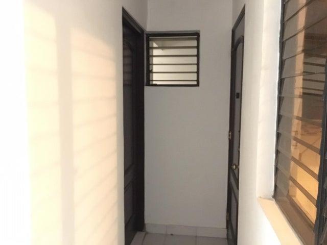 Apartamento Santo Domingo>Distrito Nacional>Serralles - Alquiler:1.500 Dolares - codigo: 20-489