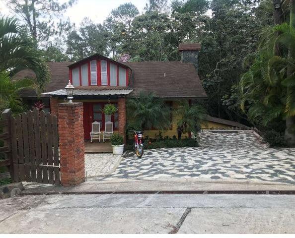 Casa La Vega>Jarabacoa>Buena Vista - Venta:250.000 Dolares - codigo: 20-938
