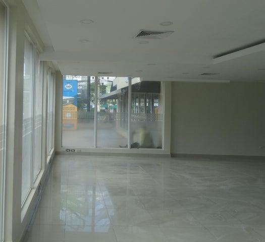 Local Comercial Santo Domingo>Distrito Nacional>Piantini - Alquiler:5.600 Dolares - codigo: 20-1022