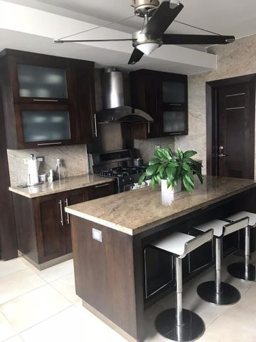 Apartamento Santo Domingo>Distrito Nacional>Serralles - Venta:365.000 Dolares - codigo: 20-1066