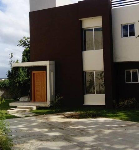 Townhouse Santo Domingo>Distrito Nacional>Cuesta Hermosa - Venta:194.000 Dolares - codigo: 20-1083
