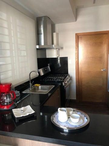 Apartamento Santo Domingo>Distrito Nacional>Evaristo Morales - Alquiler:1.000 Dolares - codigo: 20-1168