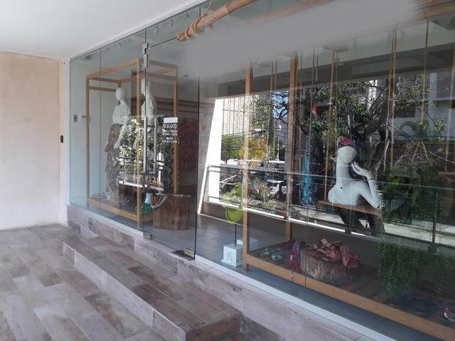 Local Comercial Santo Domingo>Distrito Nacional>Naco - Alquiler:1.400 Dolares - codigo: 20-1193