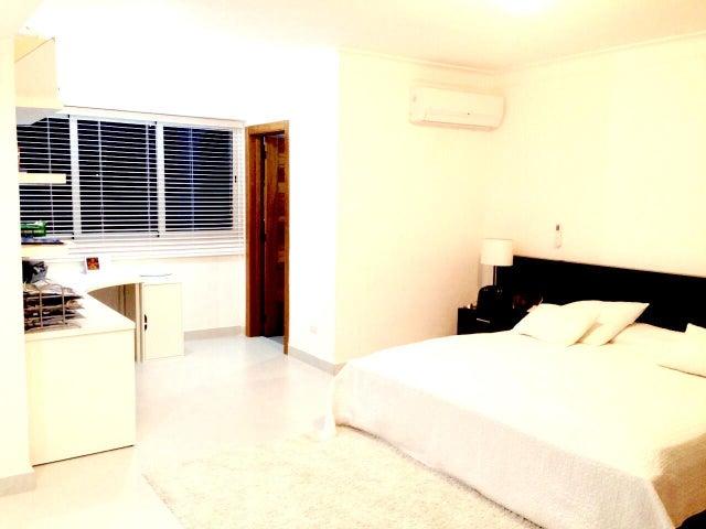 Apartamento Santo Domingo>Distrito Nacional>Evaristo Morales - Alquiler:1.600 Dolares - codigo: 20-1247