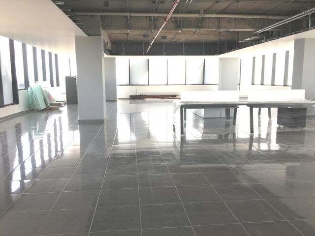 Oficina Santo Domingo>Distrito Nacional>Piantini - Alquiler:8.075 Dolares - codigo: 20-1519
