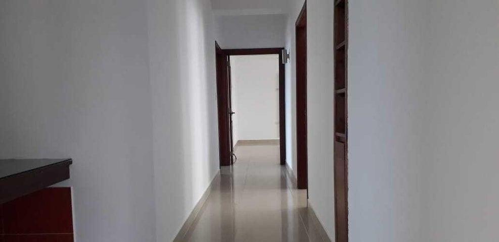 Apartamento Santo Domingo>Distrito Nacional>La Julia - Alquiler:1.800 Dolares - codigo: 20-1522