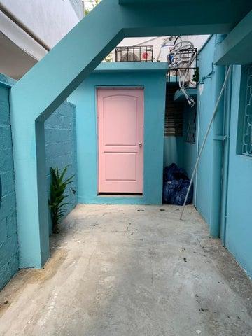 Local Comercial Santo Domingo>Distrito Nacional>Paraiso - Alquiler:2.500 Dolares - codigo: 20-1607