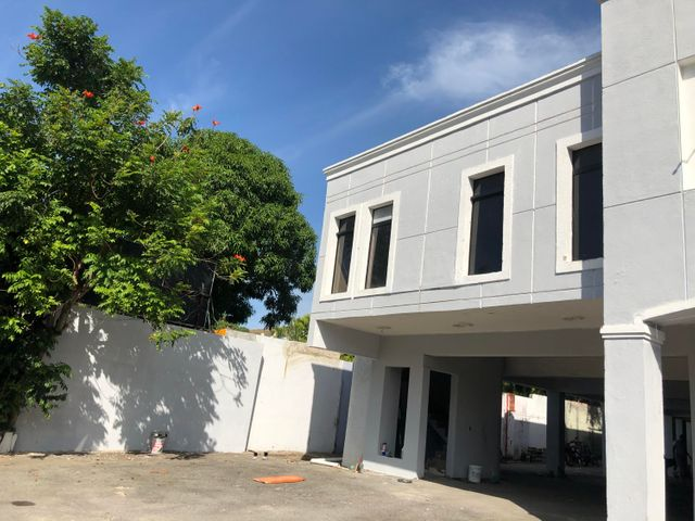 Local Comercial Santo Domingo>Distrito Nacional>Julienta Morales - Venta:1.550.000 Dolares - codigo: 20-1699