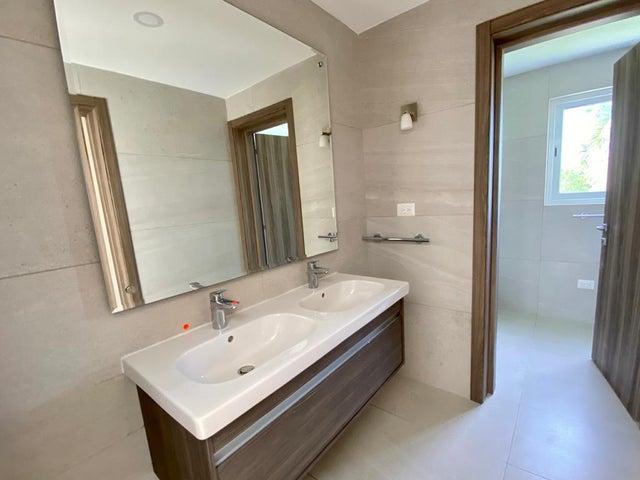 Casa La Altagracia>Punta Cana>Cap Cana - Venta:950.000 Dolares - codigo: 20-1701