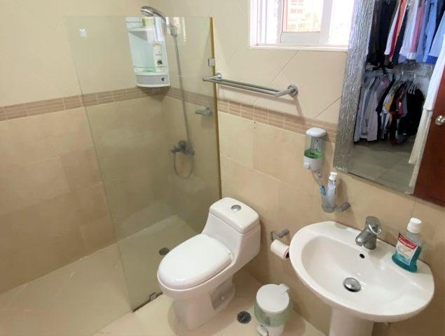 Apartamento Santo Domingo>Distrito Nacional>Los Restauradores - Alquiler:1.200 Dolares - codigo: 20-1702