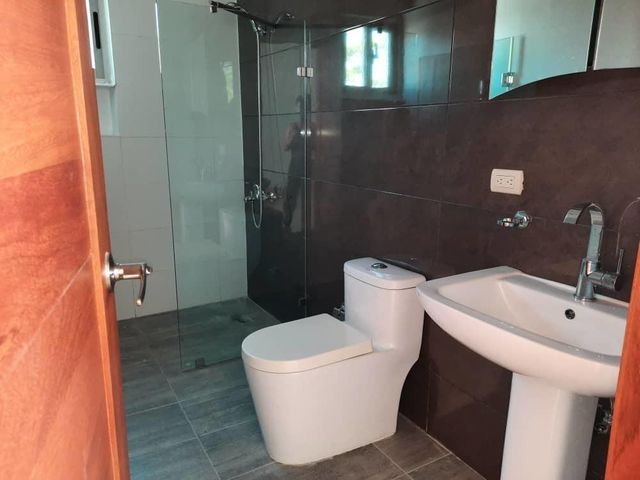 Casa Santo Domingo>Distrito Nacional>Cuesta Hermosa II - Alquiler:3.500 Dolares - codigo: 20-1713