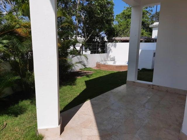 Casa Santo Domingo>Distrito Nacional>Cuesta Hermosa II - Venta:450.000 Dolares - codigo: 20-1714
