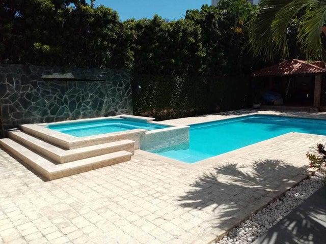 Casa Santo Domingo>Distrito Nacional>Bella Vista - Venta:1.750.000 Dolares - codigo: 20-1718