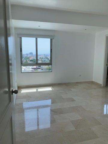 Apartamento Santo Domingo>Distrito Nacional>Evaristo Morales - Alquiler:2.800 Dolares - codigo: 20-1749