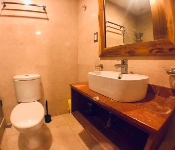 Apartamento Santo Domingo>Distrito Nacional>Piantini - Venta:225.000 Dolares - codigo: 21-3