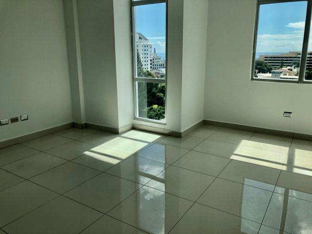 Local Comercial Santo Domingo>Distrito Nacional>Bella Vista - Alquiler:4.121 Dolares - codigo: 21-47