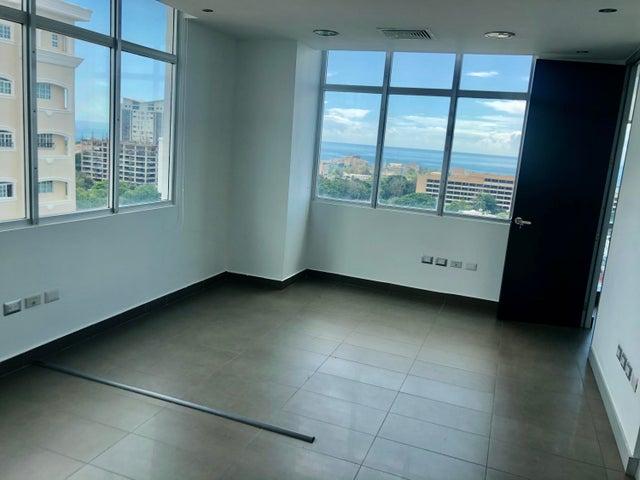 Local Comercial Santo Domingo>Distrito Nacional>Bella Vista - Alquiler:4.860 Dolares - codigo: 21-49