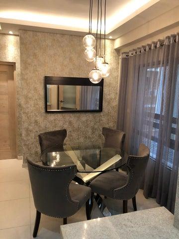 Apartamento Santo Domingo>Distrito Nacional>Piantini - Alquiler:1.200 Dolares - codigo: 21-82