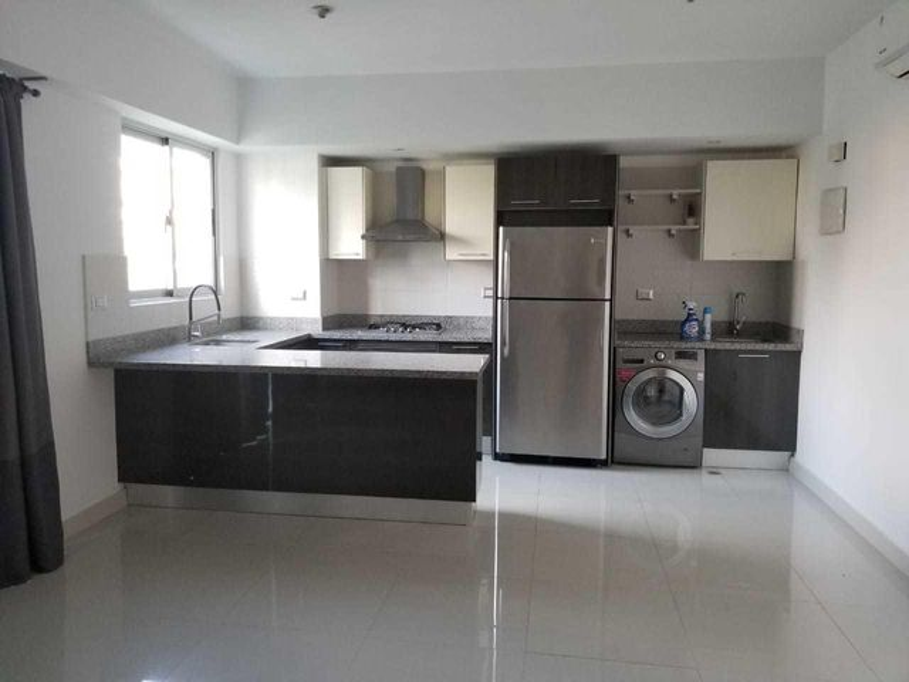 Apartamento Santo Domingo>Distrito Nacional>Piantini - Alquiler:800 Dolares - codigo: 21-89