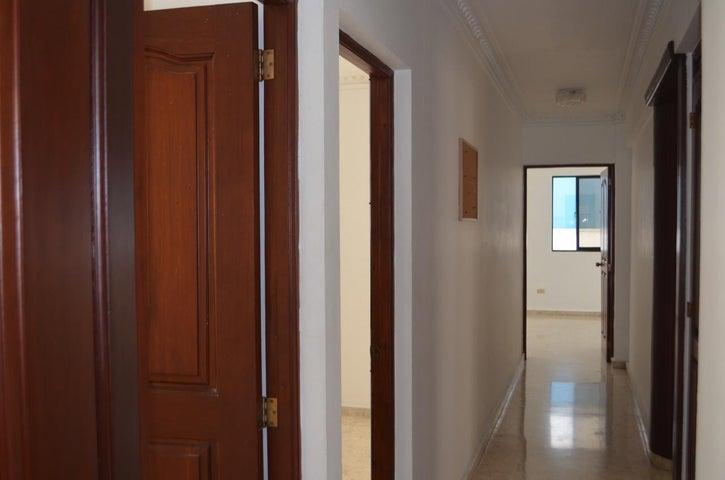 Apartamento Santo Domingo>Distrito Nacional>Naco - Venta:152.000 Dolares - codigo: 21-147