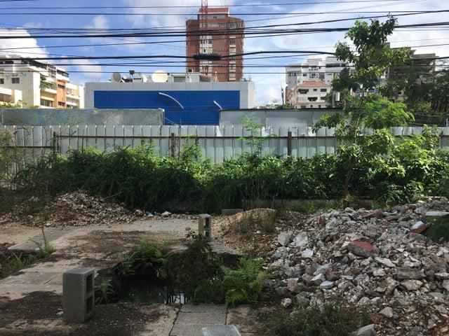 Terreno Santo Domingo>Distrito Nacional>Piantini - Alquiler:6.000 Dolares - codigo: 21-150
