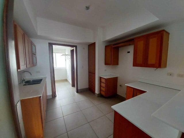Apartamento Santo Domingo>Distrito Nacional>Piantini - Alquiler:1.550 Dolares - codigo: 21-167