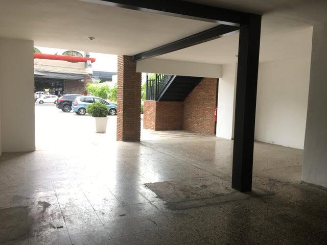 Local Comercial Santo Domingo>Distrito Nacional>Piantini - Alquiler:1.651 Dolares - codigo: 21-199