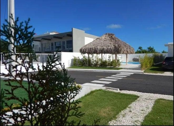 Casa La Altagracia>Punta Cana>Bavaro - Alquiler:550 Dolares - codigo: 21-201