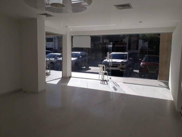 Local Comercial Santo Domingo>Distrito Nacional>Naco - Alquiler:1.755 Dolares - codigo: 21-214