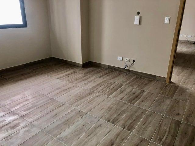 Apartamento Santo Domingo>Distrito Nacional>Piantini - Venta:170.000 Dolares - codigo: 21-224
