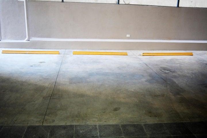 Apartamento Santo Domingo>Distrito Nacional>Piantini - Alquiler:1.300 Dolares - codigo: 21-244