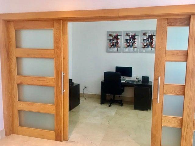 Apartamento Santo Domingo>Distrito Nacional>Piantini - Alquiler:2.200 Dolares - codigo: 21-437