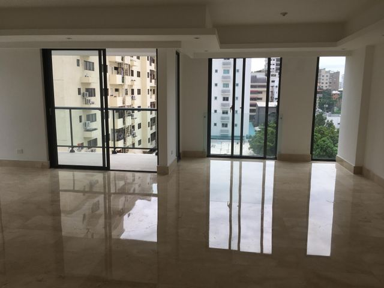 Apartamento Santo Domingo>Distrito Nacional>Piantini - Alquiler:2.300 Dolares - codigo: 21-439
